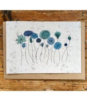 Fleurs bleues myosotis